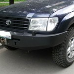 Передний силовой бампер на Toyota Land Cruiser 105