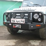 Передний силовой бампер на Land Rover Defender 110